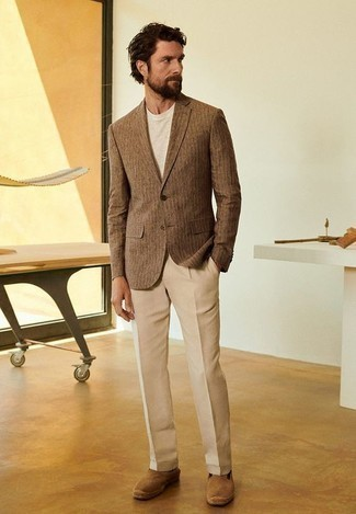 How to Wear a Beige Crew-neck T-shirt For Men: Demonstrate that no-one does smart men's fashion quite like you do in a beige crew-neck t-shirt and khaki dress pants. Why not take a more laid-back approach with shoes and complement your look with a pair of tan suede espadrilles?