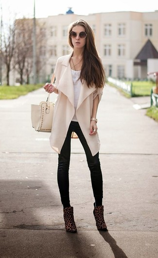 e38ae6ac44c How To Wear Dark Brown Ankle Boots With Black Leather Leggings (4 ...
