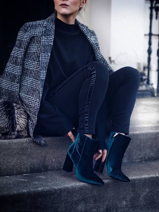 How to Wear a Fur Hat For Women: A grey plaid wool blazer and a fur hat are both versatile staples that will integrate well within your daily styling repertoire. If you want to feel a bit fancier now, complement your outfit with a pair of teal velvet ankle boots.