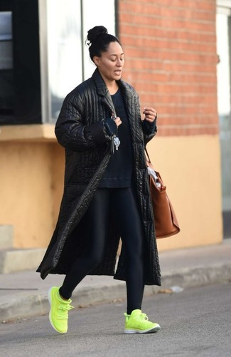 How to wear: green-yellow athletic shoes, black leggings, navy sweatshirt, black quilted coat