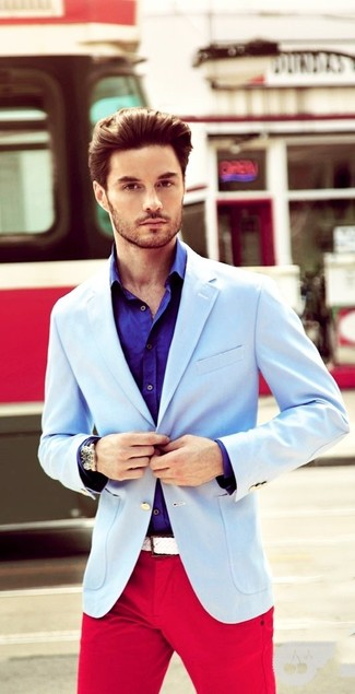 How to wear: light blue blazer, violet long sleeve shirt, red chinos, white woven canvas belt