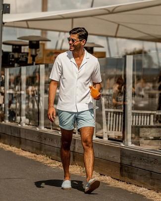 How to wear: light blue canvas espadrilles, light blue shorts, white short sleeve shirt