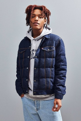 How to wear: light blue jeans, grey print hoodie, navy quilted denim shirt jacket