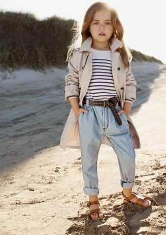How to wear: brown sandals, light blue jeans, white and black horizontal striped t-shirt, beige trench coat