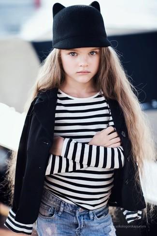 How to wear: black hat, light blue jeans, white and black horizontal striped t-shirt, black blazer