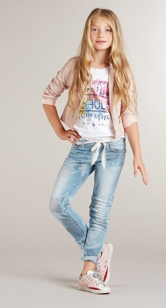 How to wear: pink sneakers, light blue jeans, white print t-shirt, pink jacket