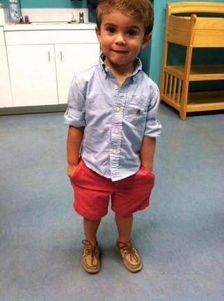 How to wear: light blue long sleeve shirt, red shorts, tan boat shoes
