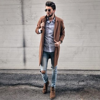 How to wear: dark brown suede chelsea boots, light blue ripped skinny jeans, light violet dress shirt, brown overcoat