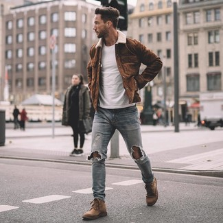 How to wear: brown suede casual boots, light blue ripped skinny jeans, white crew-neck t-shirt, brown suede shirt jacket