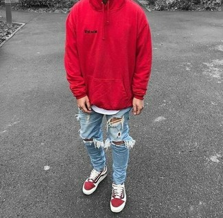 How to wear: red suede low top sneakers, light blue ripped skinny jeans, white crew-neck t-shirt, red hoodie