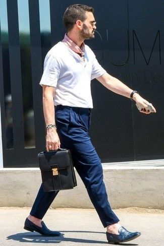 How to Wear Navy Leather Loafers For Men: A white henley shirt and navy chinos will give off this relaxed and dapper vibe. To add some extra zing to your getup, add a pair of navy leather loafers to this outfit.