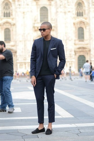 How to Wear Dark Purple Sunglasses For Men: Undeniable proof that a navy suit and dark purple sunglasses are awesome when teamed together in a casual outfit. Add black suede loafers to this ensemble for an air of elegance.