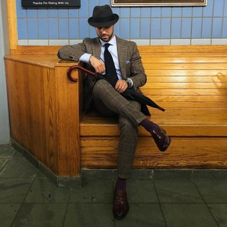 How to wear: charcoal wool hat, dark brown leather loafers, light blue dress shirt, brown plaid wool suit