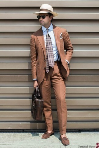How to Wear a Violet Print Tie For Men: This pairing of a tobacco suit and a violet print tie is ideal for elegant situations. Brown suede loafers are an easy way to power up your getup.