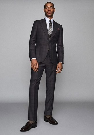 How to Wear Dark Purple Leather Loafers For Men: To look like a modern dandy with a good deal of style, dress in a charcoal suit and a white dress shirt. Send an otherwise standard outfit a whole other path by slipping into dark purple leather loafers.