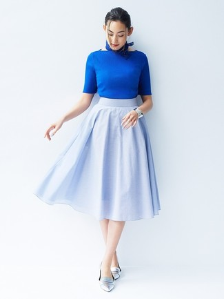 How to wear: blue bandana, silver leather loafers, light blue full skirt, blue short sleeve sweater