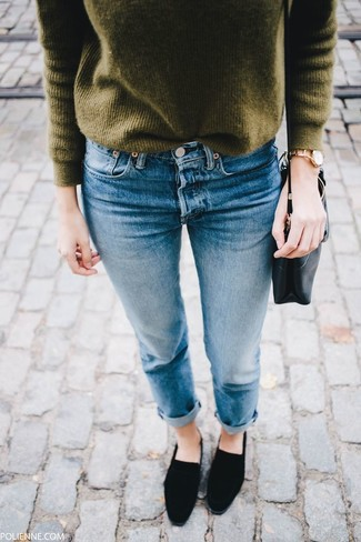 How to wear: black leather crossbody bag, black suede loafers, blue jeans, olive crew-neck sweater