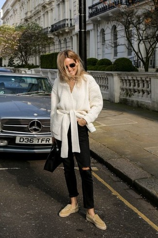 How to wear: black leather tote bag, tan suede loafers, black ripped jeans, white open cardigan