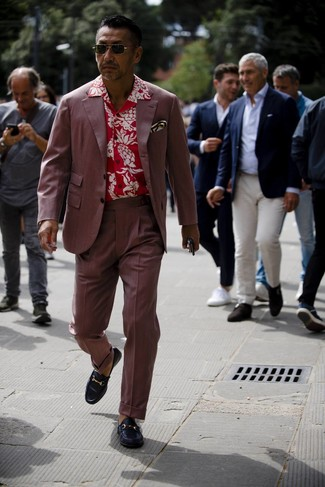 How to wear: white print pocket square, black leather loafers, red floral short sleeve shirt, burgundy suit