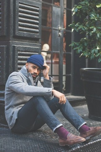 How to wear: blue beanie, brown leather loafers, navy skinny jeans, grey wool blazer