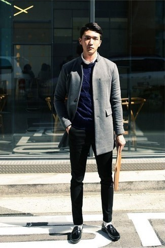 Men's Looks & Outfits: What To Wear In 2020: This combination of a grey overcoat and black chinos makes for the perfect base for an outfit. Throw a pair of black leather tassel loafers into the mix to effortlesslly amp up the wow factor of any ensemble.