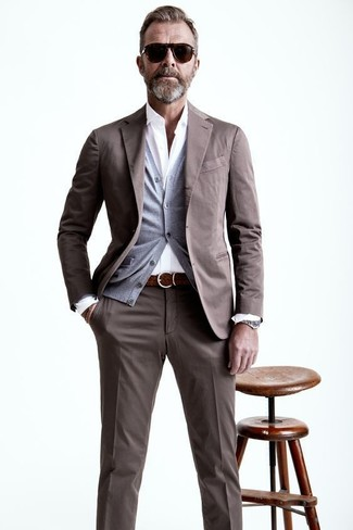 How to wear: brown woven leather belt, white long sleeve shirt, grey cardigan, brown suit