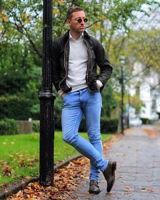 How to wear: light blue skinny jeans, white long sleeve shirt, beige crew-neck sweater, dark brown barn jacket