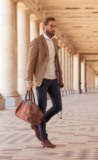 How to wear: charcoal jeans, white long sleeve shirt, beige crew-neck sweater, brown wool blazer