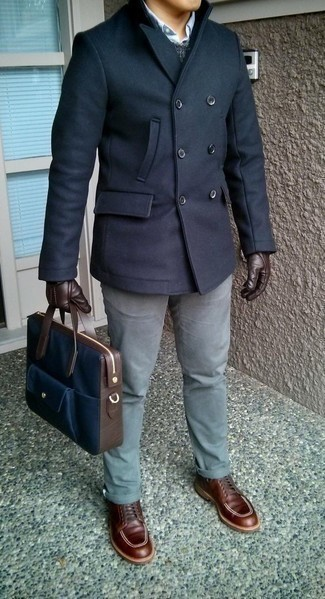 How to Wear Dark Brown Leather Gloves For Men: A navy pea coat and dark brown leather gloves are a nice ensemble to have in your menswear collection. If you wish to effortlessly kick up your outfit with footwear, why not introduce a pair of brown leather casual boots to the mix?
