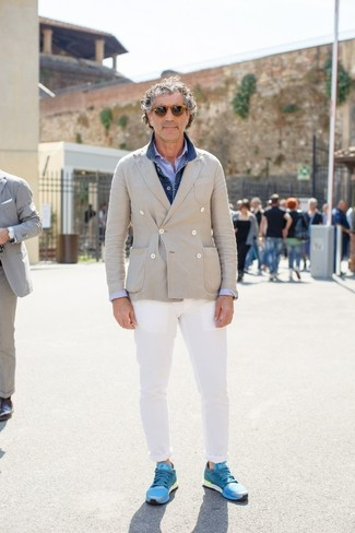 How to wear: white chinos, light blue seersucker long sleeve shirt, beige double breasted blazer, blue denim jacket