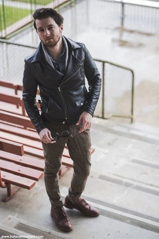 How to Wear Burgundy Leather Derby Shoes: A black leather biker jacket and brown wool chinos are totally worth being on your list of veritable casual must-haves. Feeling venturesome? Spruce up this look by slipping into burgundy leather derby shoes.