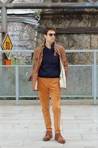 How to Wear Navy Sunglasses For Men: To achieve a laid-back outfit with a modern take, you can easily rely on a khaki field jacket and navy sunglasses. Infuse this outfit with a dose of elegance by finishing off with brown leather casual boots.