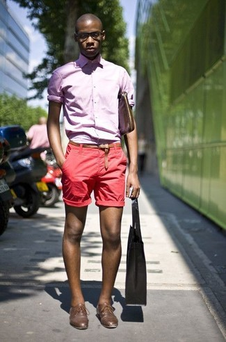 How to wear: pink long sleeve shirt, red shorts, brown leather derby shoes, brown leather messenger bag