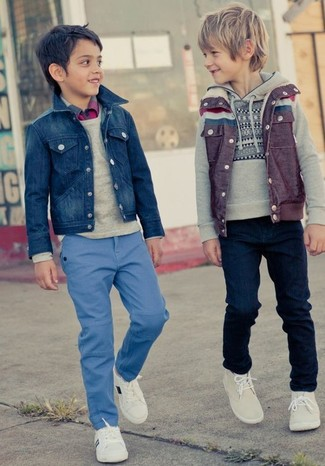 How to Wear a Denim Jacket For Boys: Your little guy will look extra cute in a denim jacket and blue jeans. White sneakers are a wonderful choice to finish this look.