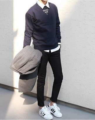 How to Wear a Grey Overcoat: Combining a grey overcoat and black chinos is a guaranteed way to inject your styling repertoire with some laid-back sophistication. You can get a bit experimental with shoes and complement this getup with a pair of white and black canvas low top sneakers.