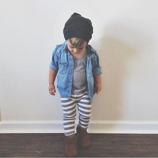 How to wear: blue denim long sleeve shirt, grey t-shirt, grey sweatpants, brown boots