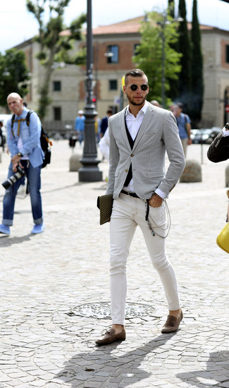 How to wear: white skinny jeans, white long sleeve shirt, black waistcoat, white and black houndstooth blazer