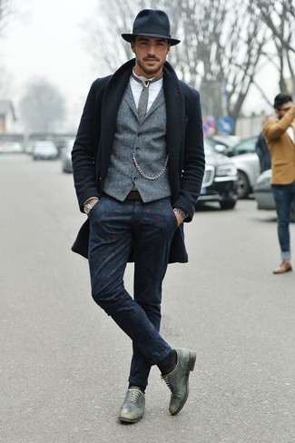 How to Wear Navy Print Chinos: This pairing of a navy overcoat and navy print chinos embodies manly sophistication and versatility. To add some extra depth to your ensemble, introduce a pair of grey leather oxford shoes to this ensemble.