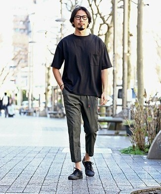 Men's Looks & Outfits: What To Wear In 2020: If you use a more casual approach to styling, why not choose a black crew-neck t-shirt and charcoal chinos? Go for black leather low top sneakers and ta-da: this getup is complete.