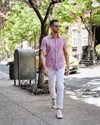 How to Wear Dark Green Sunglasses For Men: Pair a pink polka dot short sleeve shirt with dark green sunglasses for a bold casual and fashionable getup. Complete this ensemble with white canvas low top sneakers to completely shake up the outfit.