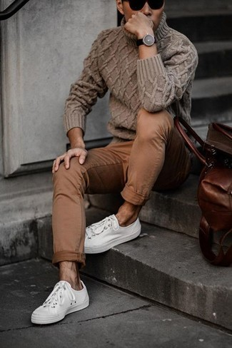 How to wear: black sunglasses, white low top sneakers, brown chinos, brown knit turtleneck