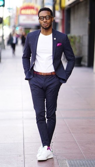 How to Wear a Hot Pink Pocket Square: Pair a navy suit with a hot pink pocket square for a daily ensemble that's full of style and character. When it comes to footwear, this ensemble is complemented perfectly with white and green leather low top sneakers.