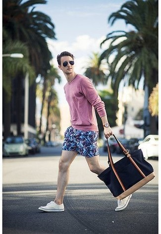 How to wear: navy canvas tote bag, white low top sneakers, blue print shorts, pink long sleeve t-shirt