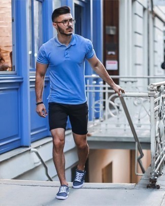 Men's Looks & Outfits: What To Wear In 2020: A blue polo and black shorts matched together are a great match. If you're wondering how to round off, complete this look with a pair of navy canvas low top sneakers.