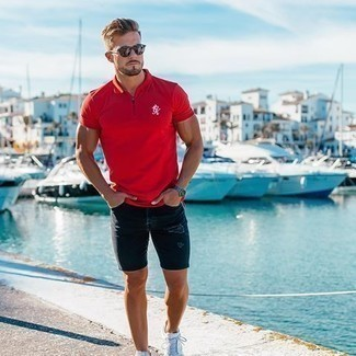 Men's Looks & Outfits: What To Wear In 2020: For relaxed dressing with an urban finish, you can easily dress in a red polo and navy ripped denim shorts. Feeling bold today? Shake things up by slipping into white canvas low top sneakers.
