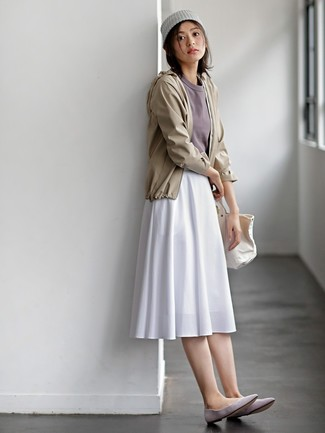 How to wear: grey suede ballerina shoes, white pleated midi skirt, grey crew-neck t-shirt, beige windbreaker