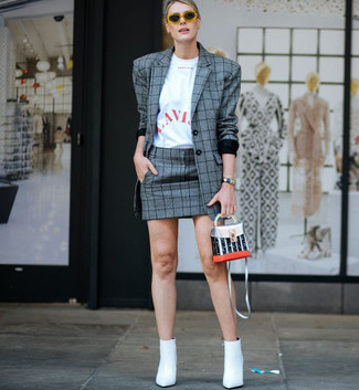 How to wear: white leather ankle boots, grey plaid mini skirt, white and red print crew-neck t-shirt, grey plaid blazer
