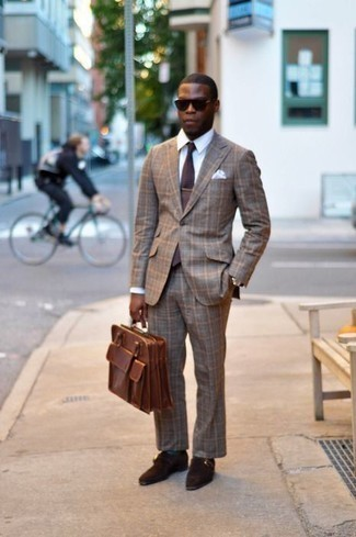 How to Wear Dark Green Socks For Men: To pull together a casual getup with a fashionable spin, you can dress in a brown plaid suit and dark green socks. Bump up the dressiness of your look a bit by rocking a pair of dark brown suede monks.
