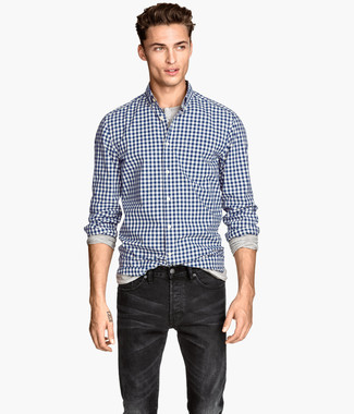 How to wear: navy and white gingham long sleeve shirt, grey long sleeve henley shirt, black jeans