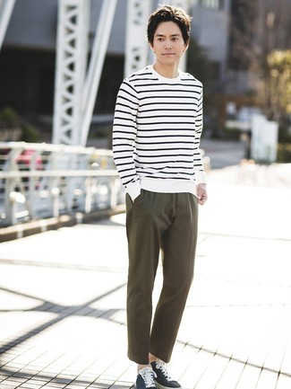 How to wear: navy canvas low top sneakers, olive chinos, white and navy horizontal striped crew-neck sweater